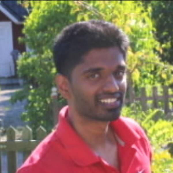I december 2014 brottades Sinthu Selvarajah ner i ett patientrum av flera poliser – avled senare på Västerås sjukhus. (Bilden på Shintu till vänster är från ett tidigare tillfälle).
