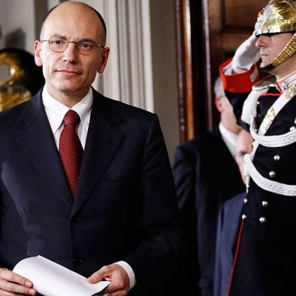 Enrico Letta efter mötet med president Napolitano.