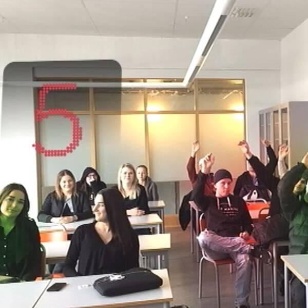 Eleverna på Thomasgymnasiet i Strängnäs tycker till om värnplikten.