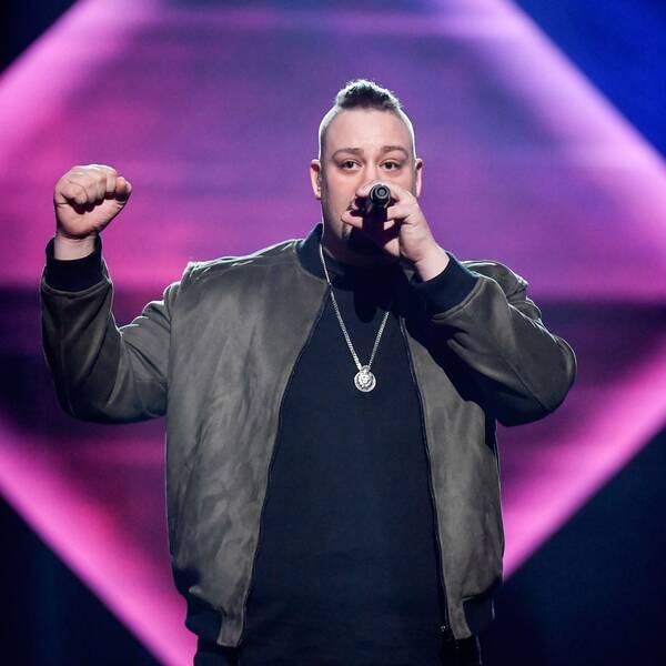 På lördag tävlar Nano i finalen av Melodifestivalen.