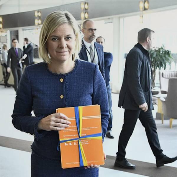 Finansminister Magdalena Andersson (S) presenterar vårbudgeten på Rosenbad.