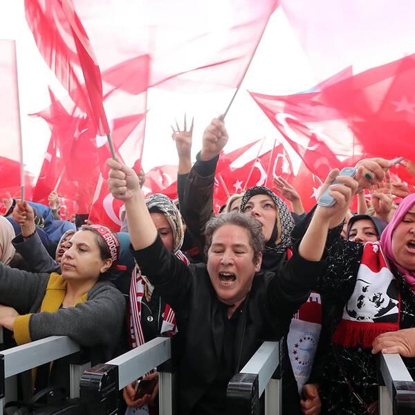 Erdogansupportrar i Ankara jublar efter söndagens valresultat