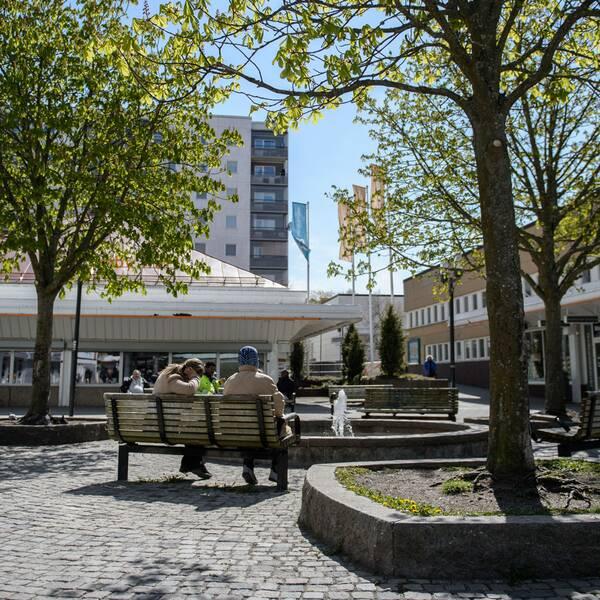 Stockholms bostadsbolag ska bryta mansdominansen i offentliga miljöer genom feministisk stadsplanering.