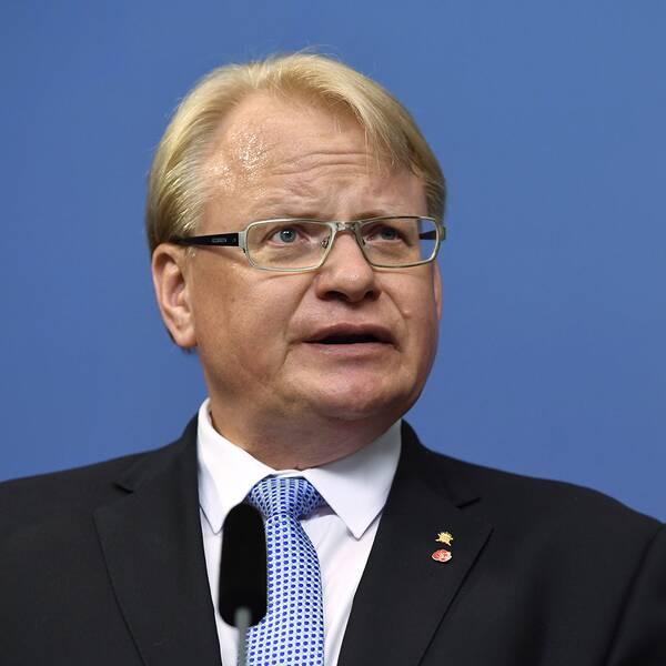 Peter Hultqvist (S) försvarsminister.