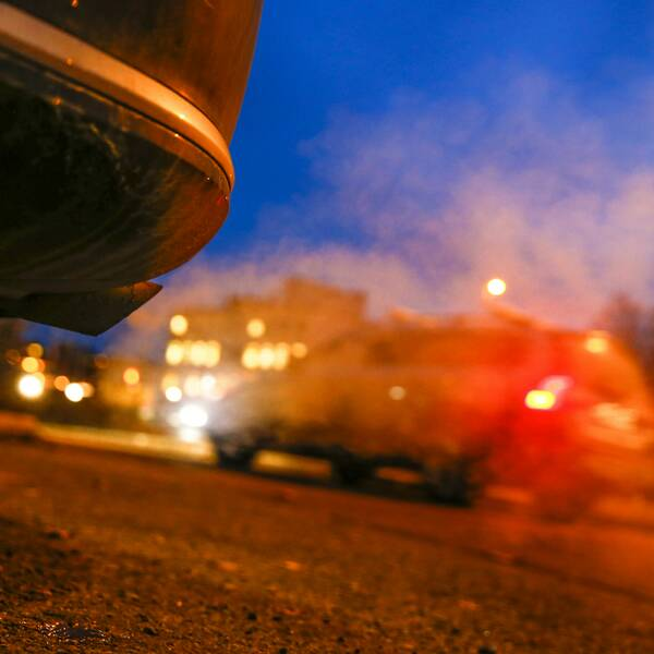 Bil och avgaser
