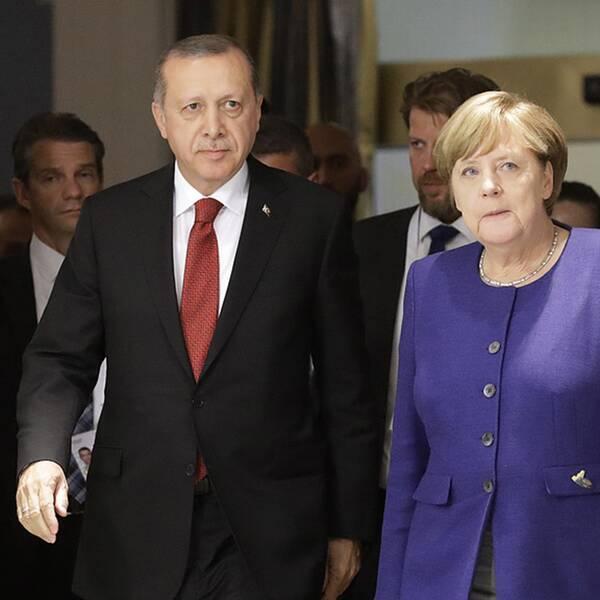 Turkiets president Erdogan sida vid sida med Tysklands förbundskansler Angela Merkel vid G20-mötet i våras.