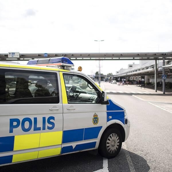 Polisen på plats utanför Landvetters flygplats.
