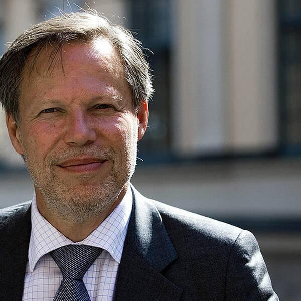 En av Sveriges högsta domare, justitierådet Mats Melin, anser att den polska regeringen urholkar rättsstaten.