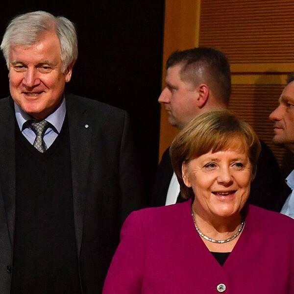 Martin Schulz, SPD, Horst Seehofer, CSU och Angela Merkel, CDU har förhandlat fram ett förslag till ett gemensamt regeringsprogram.