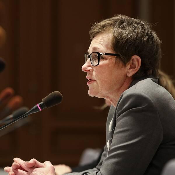 Transportstyrelsens före detta generaldirektör Maria Ågren frågas ut i Konstitutionsutskottet KU.