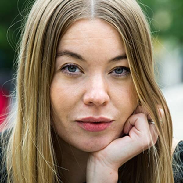 """Karolina Ramqvist och Ulrika Milles tycker till om """"Fittstim""""."""