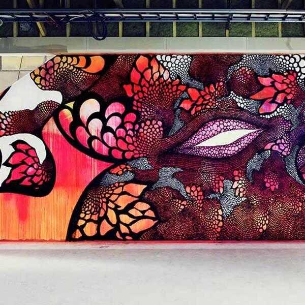 Målningen på Nyköpingsskolans vägg.