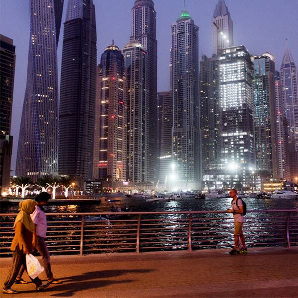 Skyskrapor i Dubai och prinsessan Latifa i Youtube-videon.