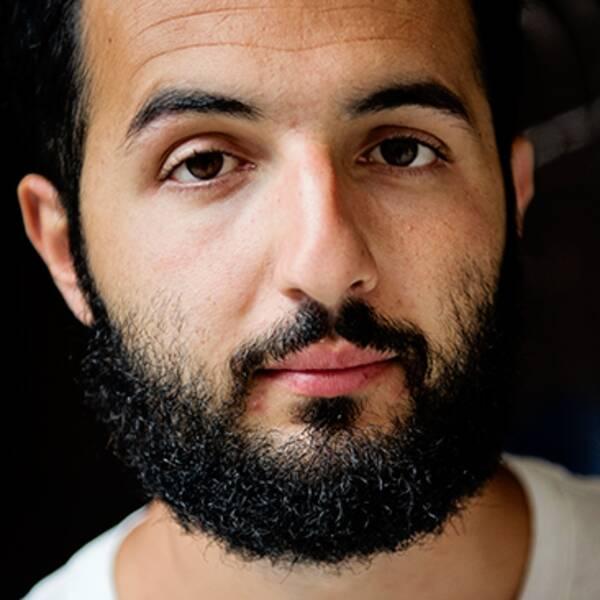 Soran Ismail, ståuppare och radioröst.