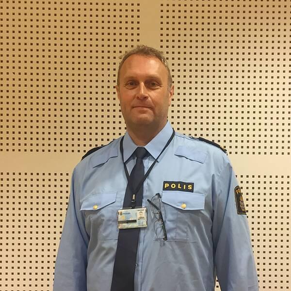 Mikael Larsson är bedrägeriutredare hos polisen i Helsingborg.