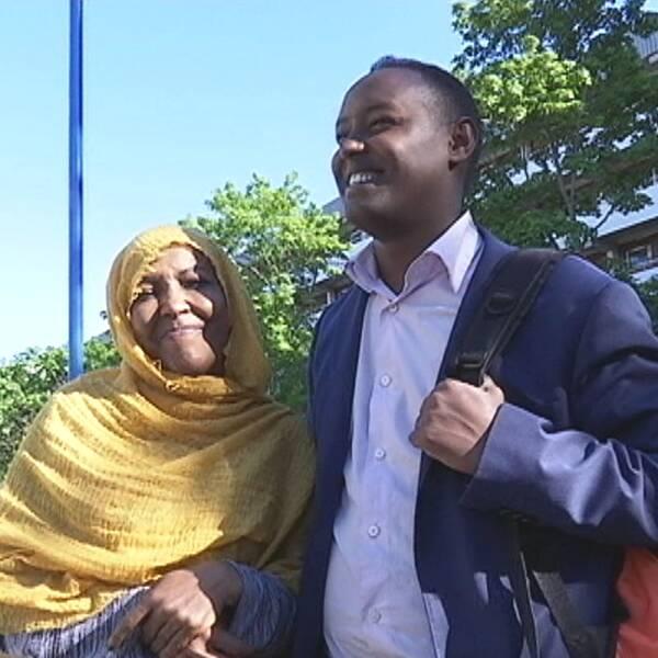 Ahmed Abdirahman med sin mor
