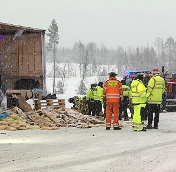 Halkolycka med EU-trailers