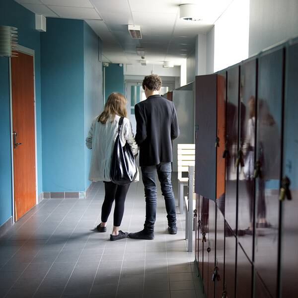 Elever i en skolkorridor
