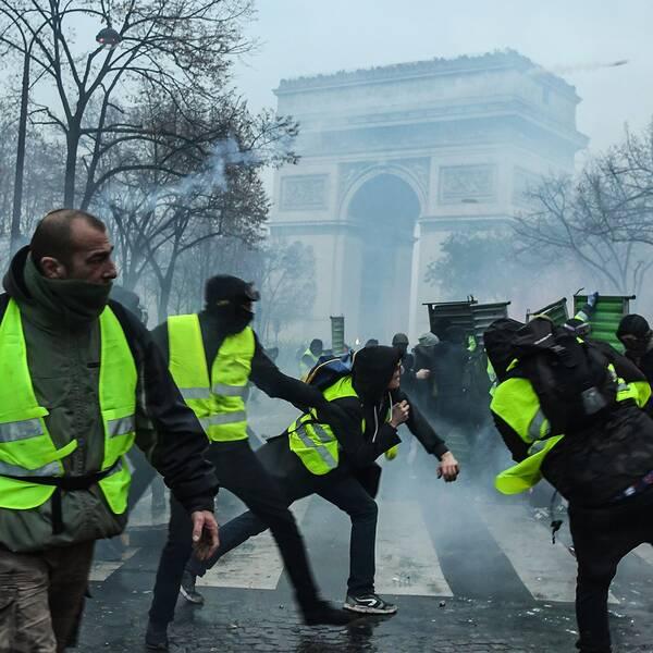 Protesterna i Paris, och övriga delar av Frankrike, har pågått i snart fyra veckor.