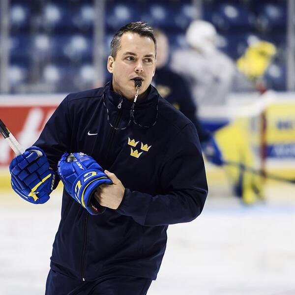 Förbundskapten Tomas Montén behåller fokus inför sista gruppspelsmatchen mot Kazakstan.