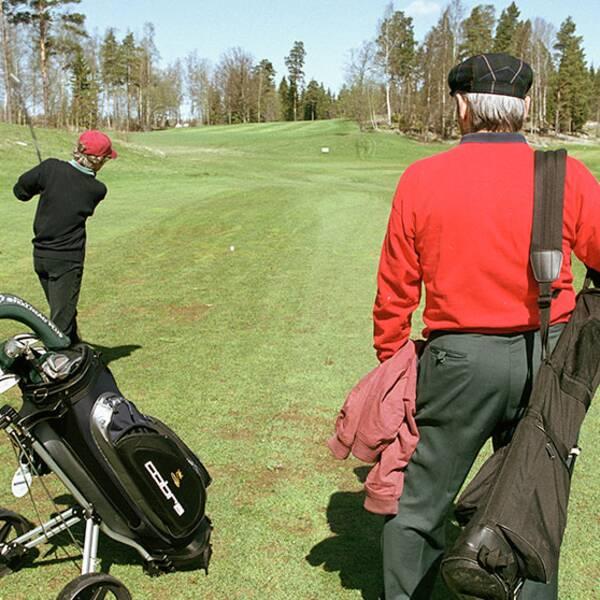 I en ny Sifomätning tycker en majoritet att pensionärer ska betala lägre skatt än de som jobbar.