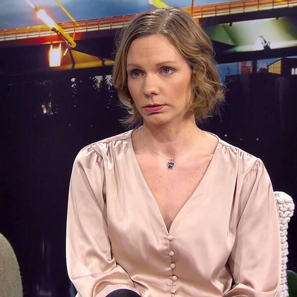 """Elisabeth Olsson har skrivit barnboken """"Lillebror i mitt hjärta"""" om att föda ett dött barn."""