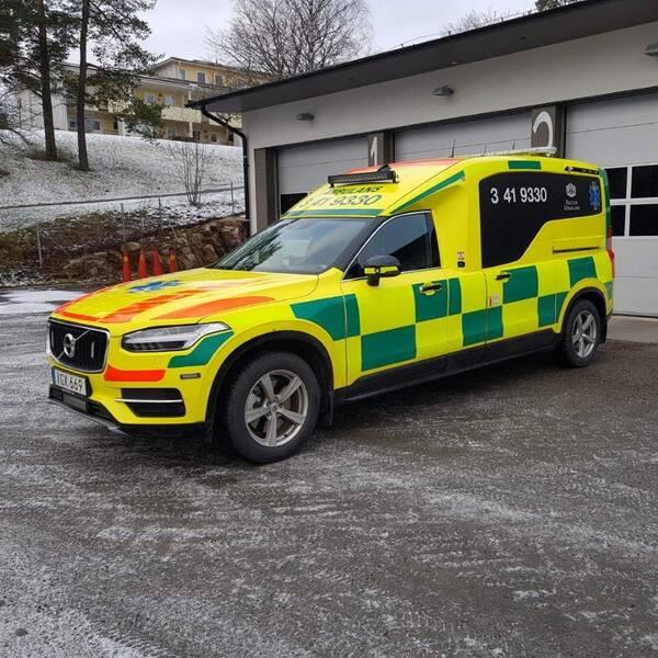 Bilden visar en av de nya ambulanserna.