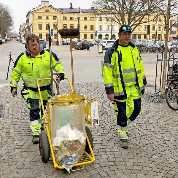 Kristianstad kommun anställde fler skräpplockare genom arbetsmarknadspolitiska program. Då minskade skräpmängden drastiskt.