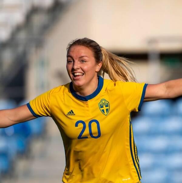 Mimmi Larsson får chansen från start mot Tyskland.