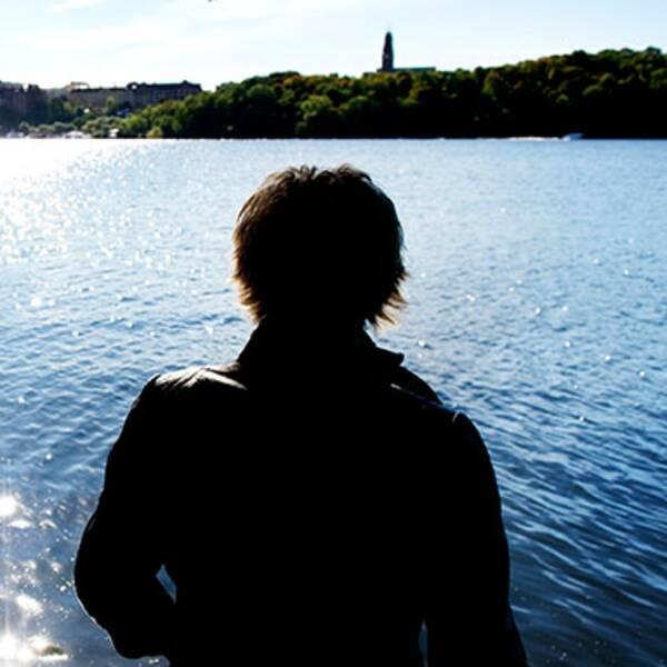 Kvinna vid vatten