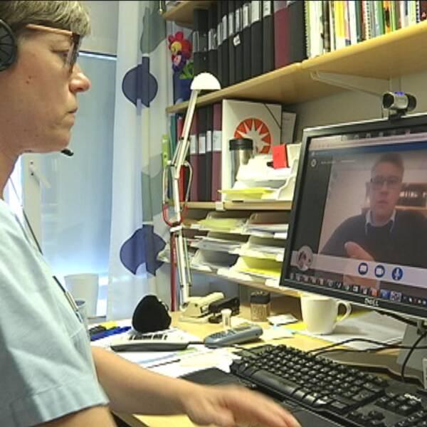 Sjuksköterskan Lena Eriksson och Martin Zakrisson.