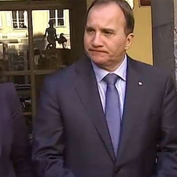 Åsa Romson (MP), Stefan Löfven och Carin Jämtin (S) höll en presskonferens på måndagseftermiddagen där man sa att man fortsätter samtalen om ett regeringssamarbete.
