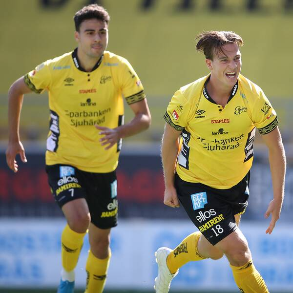 Elfsborgs Simon Olsson jublar efter 1-0-målet under lördagens fotbollsmatch i Allsvenskan mellan IF Elfsborg och IK Sirius FK på Borås Arena.