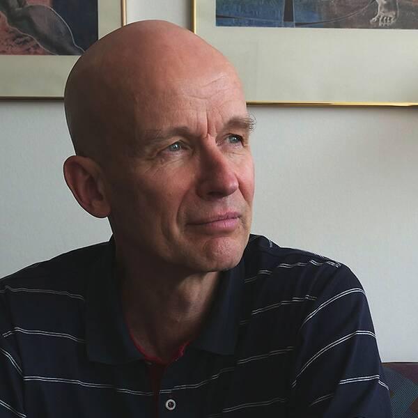 För Jan Roostal har det politiska engagemanget haft ett högt socialt pris.
