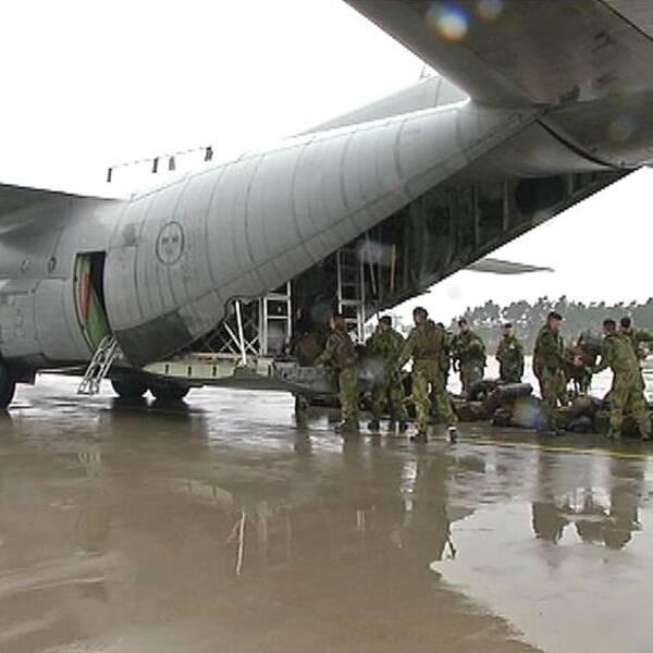 Om Gotland ska försvaras i en krigssituation, så måste militär personal snabbt flygas över från fastlandet för att använda de stridsvagnar som står i förråd på ön.  Det här är något som försvarsmakten kommer att öva på, och man börjar idag.