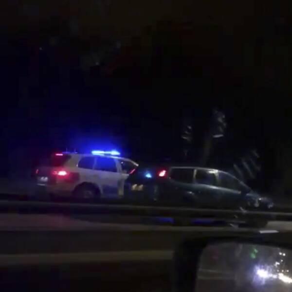 Mannen for förbi ett flertal fordon på E6 i hög hastighet innan polisen till slut fick stopp på honom.