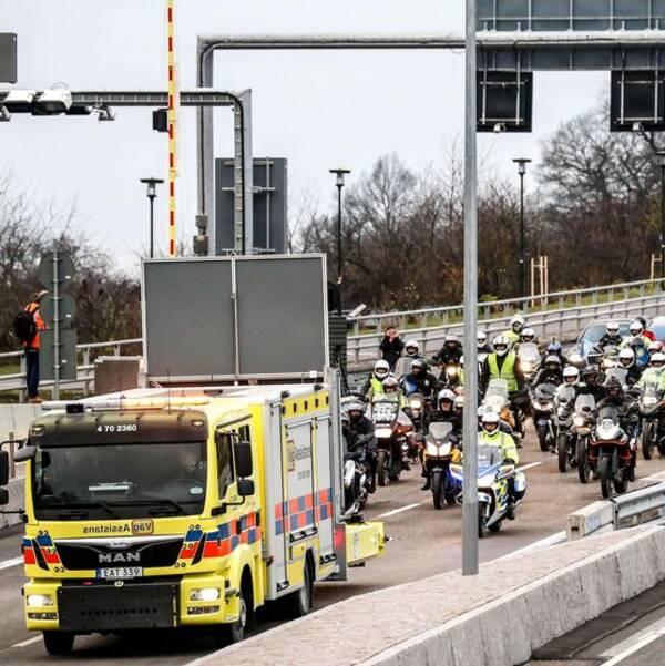Trafiken släpps på vid Frescati efter söndagens invigning av Norra länken i Stockholm.