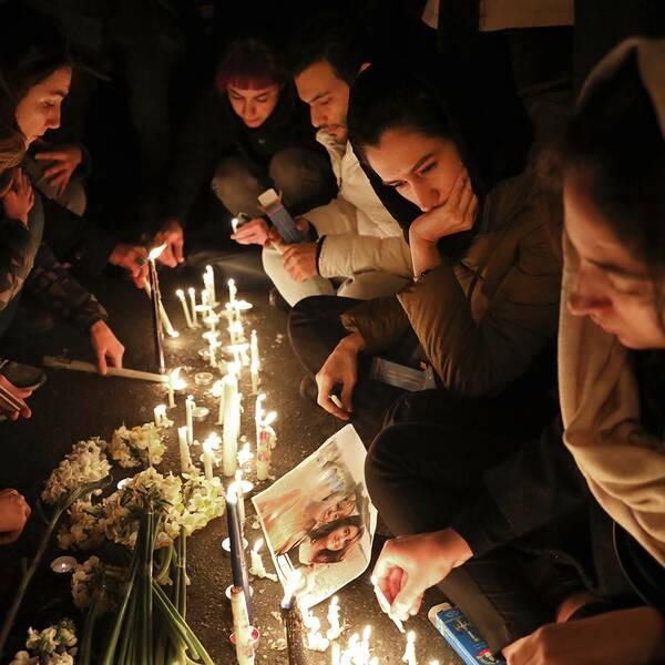 Människor samlades i Teheran i helgen för en minnesstund för offren i flygkraschen.