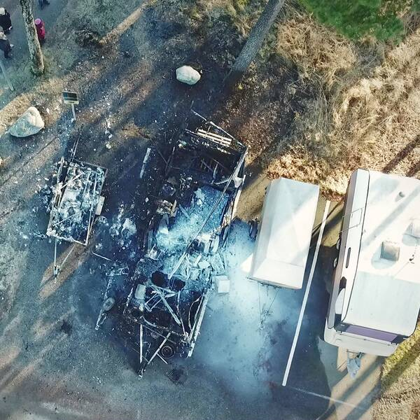 Drönarbild efter bilbrand