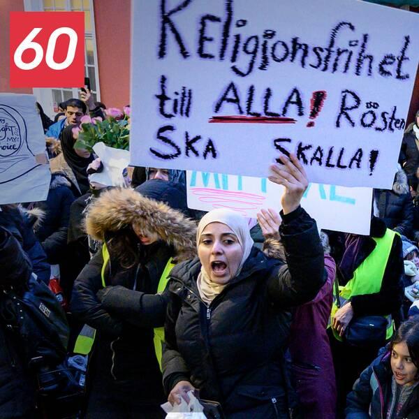 Demonstration utanför kommunhuset i Skurup.