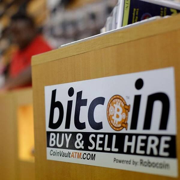 19000 bitcoin, motsvarande över 40 miljoner svenska kronor, har försvunnit efter ett datorintrång mot handelsplatsen Bitstamp.