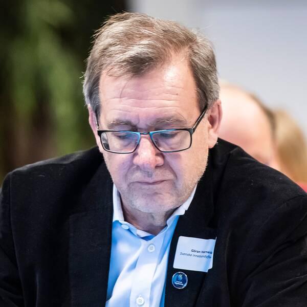 Pixbo och Rönnbyspelare samt genralsekreterare Göran Harnesk.