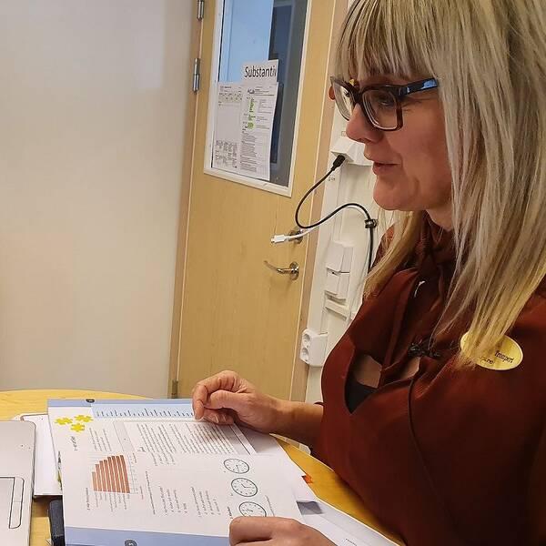 Anna Wilsborn Trompert, lärare SFI Norrköping, håller lektion via datorn