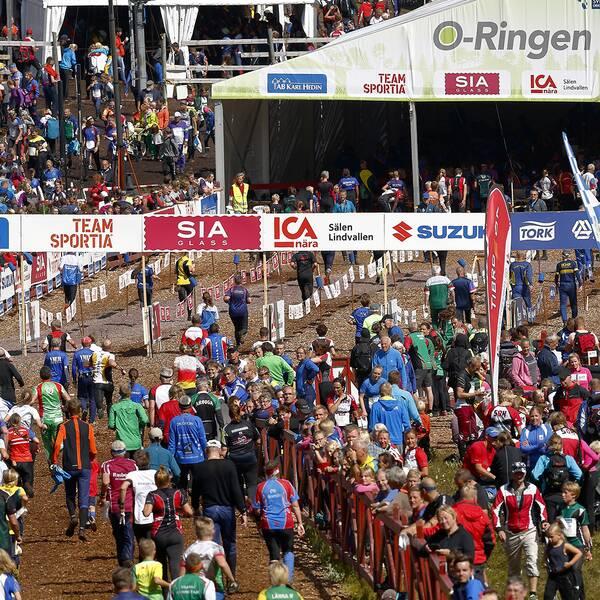 O-ringen samlar ca 18000 deltagare varje sommar. I år är det osäkert om tävlingen kan genomföras.