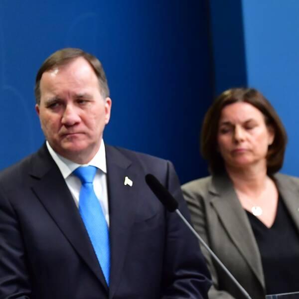 Socialminister Lena Hallengren, statsminister Stefan Löfven och vice statsminister Isabella Lövin.