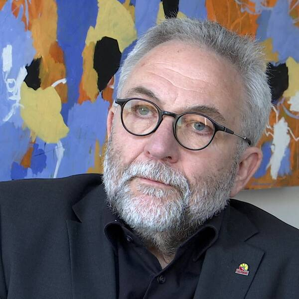 Region Skånes ekonomidirektör Lars-Åke Rudin säger att PwC:s utredning om upphandlingen av Vårdexpressen har påbörjats men har nu pausats på grund av coronaviruset.
