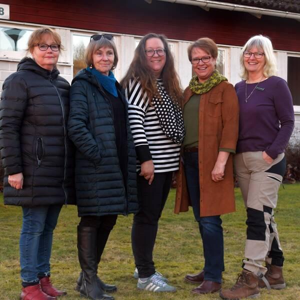 Else-Marie Gustafsson, Kerstin Wikeberg-Skog, Lena Hautoniemi, Gitta Bretsch och Ylva L. Andersson som anordnar konstrundan i Årjängs kommun i Värmland.