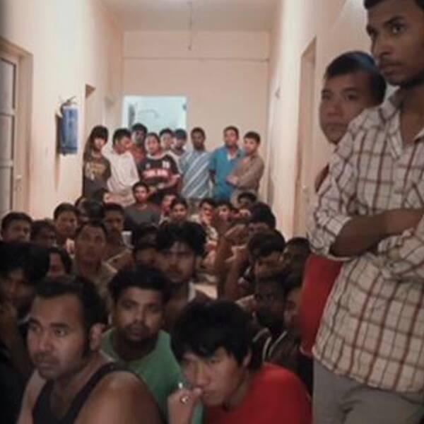 """Bilder från tyska ARD:s dokumentär """"Fångad i Qatar"""" (Gefangen in Katar)."""