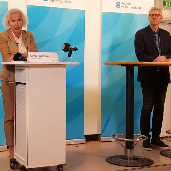 Sjukhusdirektör Lena Carlsson och smittskyddsläkare Hans Boman.