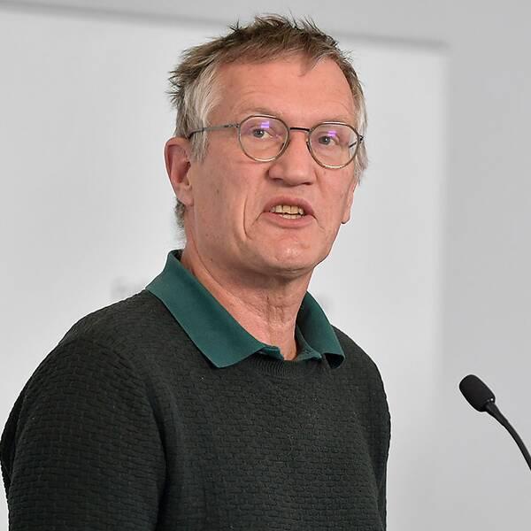 Anders Tegnell, statsepidemiolog Folkhälsomyndigheten, och Morgan Olofsson, kommunikationsdirektör, Myndigheten för samhällsskydd och beredskap (MSB)